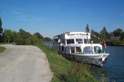 """Die neue Schiffsanlegestelle """"Alter Hafen"""", Straße Am Kanal, wurde im Juni 2005 eingeweiht"""